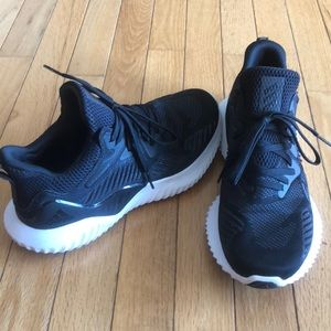 BRAND NEW Adidas Alpha Ecunce size 8